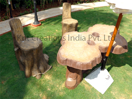 Tree Table With Log Sit