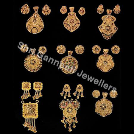 Gold Pendant Set