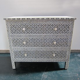 Inlay 3 Drawer Chest Black ground