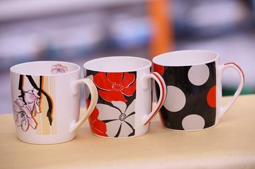 Flower printed cups
