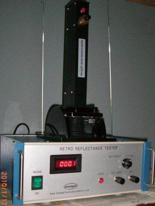 Retro Reflectance Meter