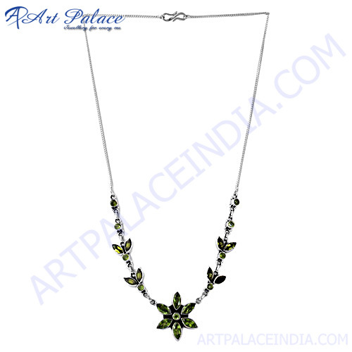 Stylish Flower With Green Peridot Silver Necklace