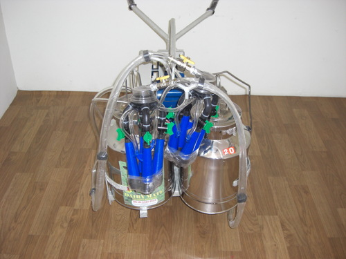 Motorized Double Bucket Milking Machine