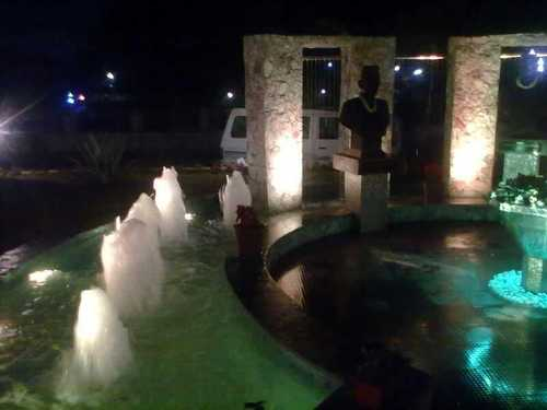 Outdoor Water Fountain with Lighting
