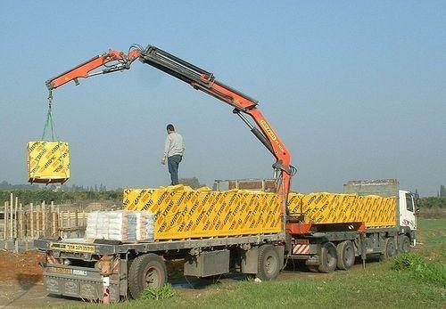 Self Loader Truck Crane Rental