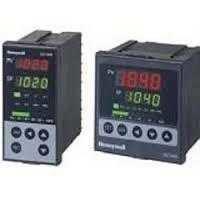 Honeywell PID Controller DC1020CR-301000-E