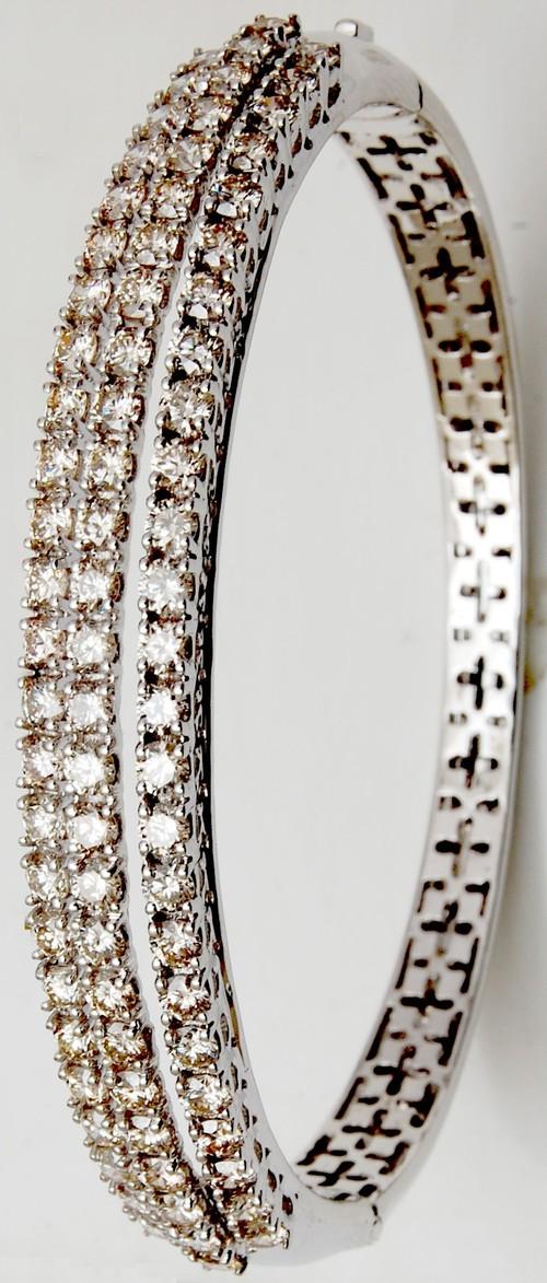 heavy look diamond bangle bracelet
