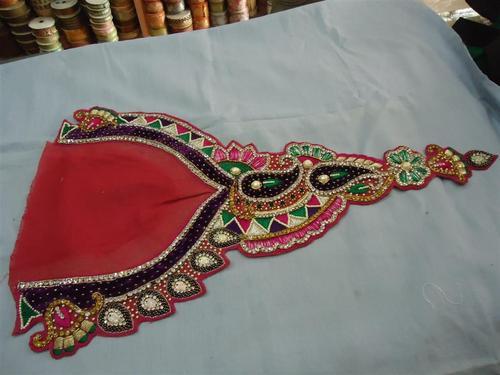 Handmade Neck Designs of Salwar Kameez