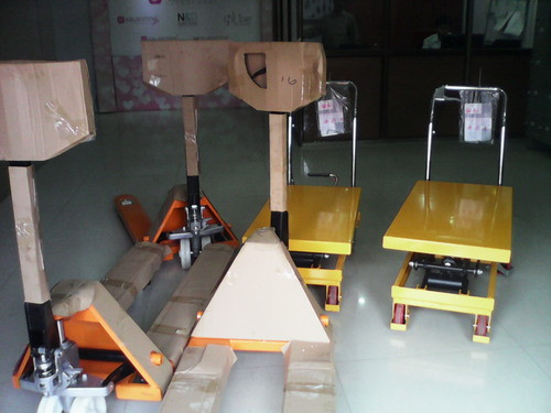 Scissor Lift Table And Pallet Truck