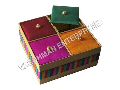 4 KHANA SATIN BOX