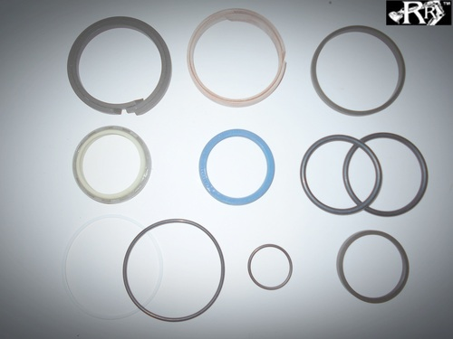 STEERING SEAL KIT 2001