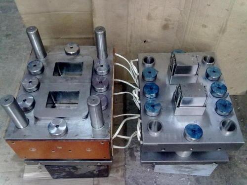 Assembly mould unit