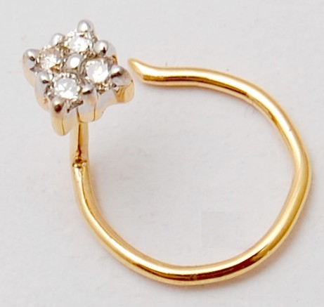 Everyday wear diamond gold nose pin