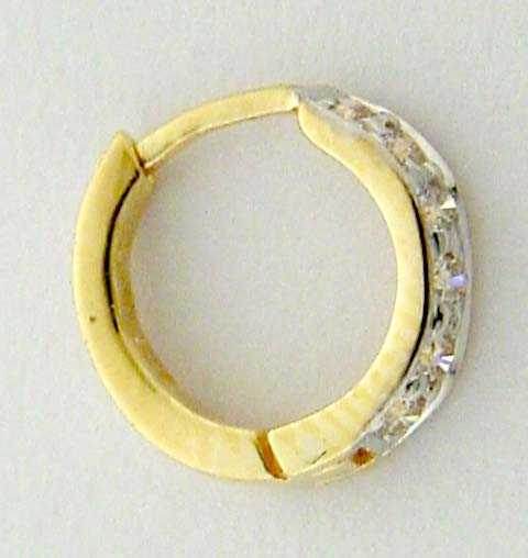 Precious gold diamond pretty round nose pin
