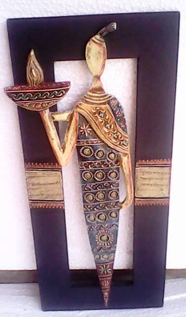 Metal Figurine Wall Decor