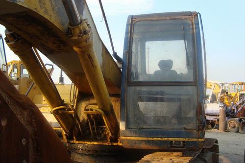 Kobelco Excavators Exporter, Distributor, Supplier, Trading Company
