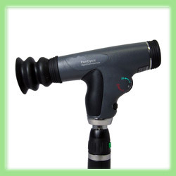 PANOPTIC ™ OPHTHALMOSCOPE