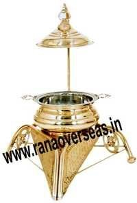 TRIANGLE SHAPE BRASS CHAFING DISH