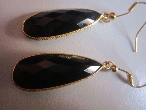 1 PAIR BLACK ONYX 18K GOLD PLATED 12X25MM PEAR SHAPE EARRINGS