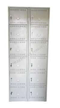 12 Door Locker Units