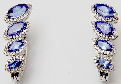 unique earring designed by indian jeweller