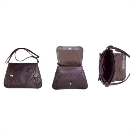 Fine leather shoulder bag