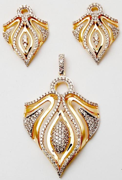 Versatile pretty gold diamond pendant earring set