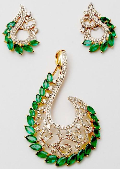 Prong setting gemstone gold earring pendant
