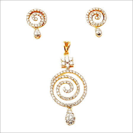 18k yellow gold design diamond pendant set