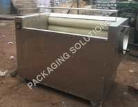 ROLLER TYPE FRUIT & VEGETABLE WASHING MACHINE: