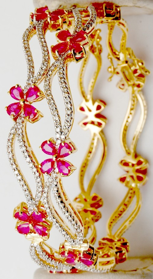 Exclusive gold diamond bangle