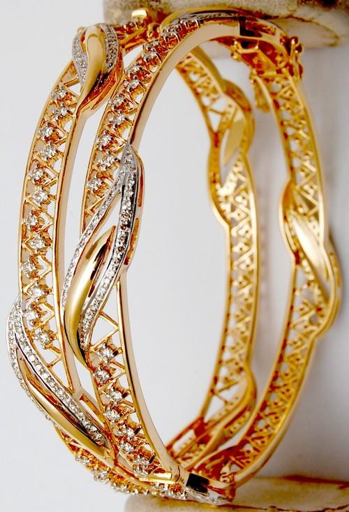 Fancy design diamond gold bangle