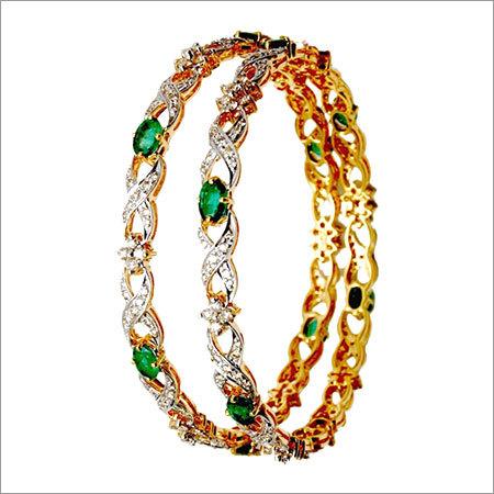 Emerald gemstone bangle retailer