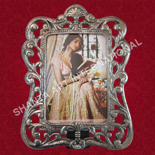 Handicrafts Photo Frame