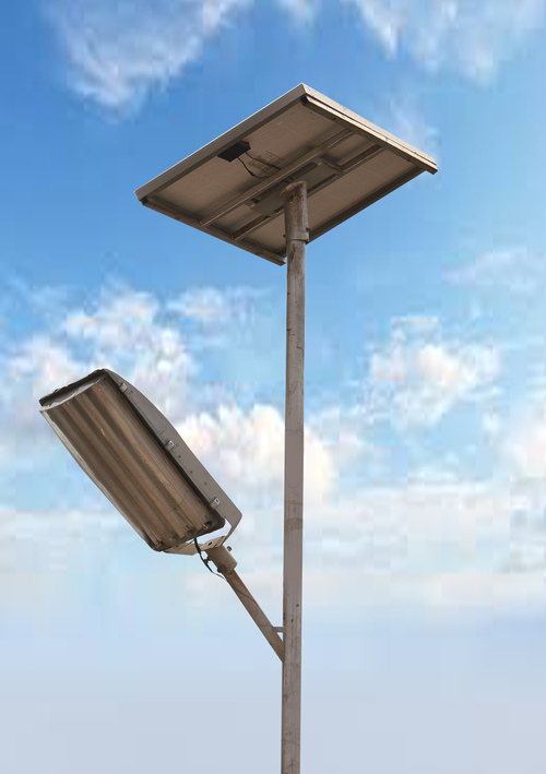 Solar CFL Street Light,