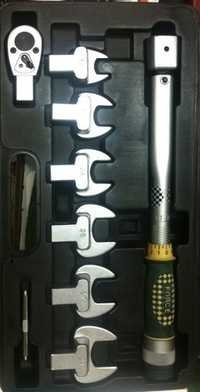 Torque Wrench Set With Interchangeable Head
