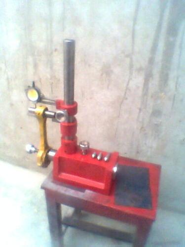 Motor que reconstrói ferramentas e maquinaria