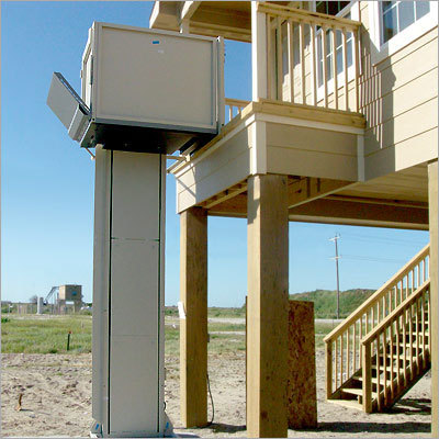 Hydraulic Wheelchair Lift (Covered Cabin)