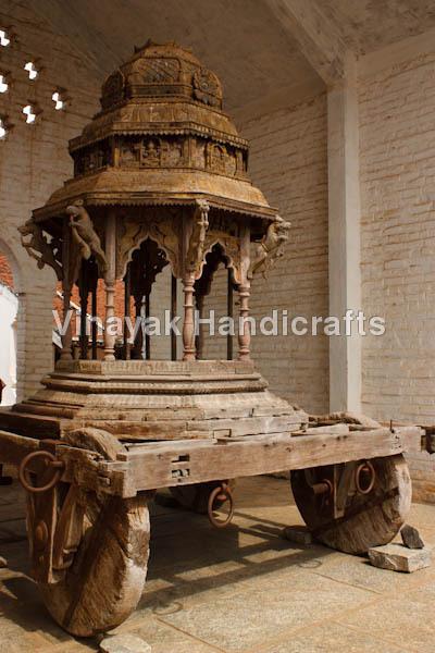 Hindu chariot with wood wheels