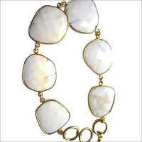 White Agate 7 Pcs Connectors  Gold Plated Bracelet 7.5 Inch