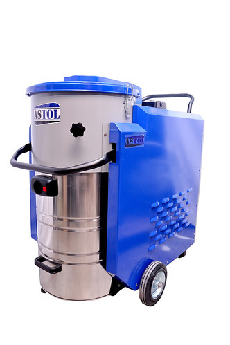 ASTOL INDUSTRIAL VACUUM CLEANER