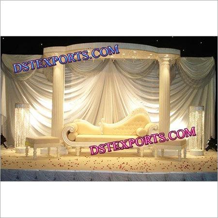 ENGLISH WEDDING STAGE SET