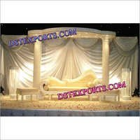 ENGLISH WEDDING STAGE SET