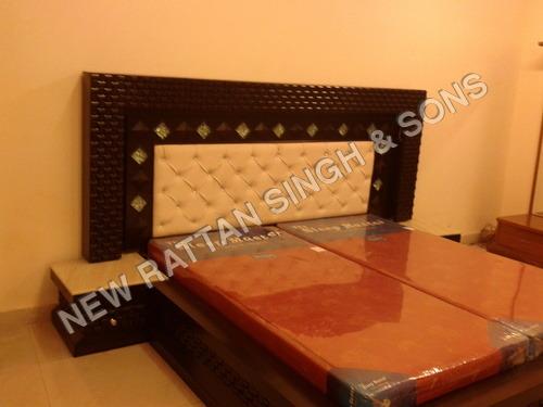 Interior Designer Wooden Bed