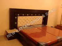 Interior Designer Wooden Bed