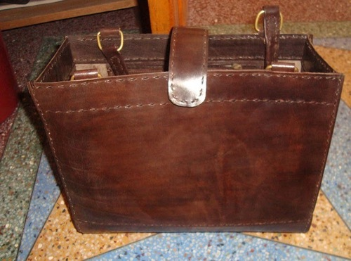 Plain Leather Messenger bag