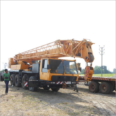 Hydraulic Telescopic Crane on Rent