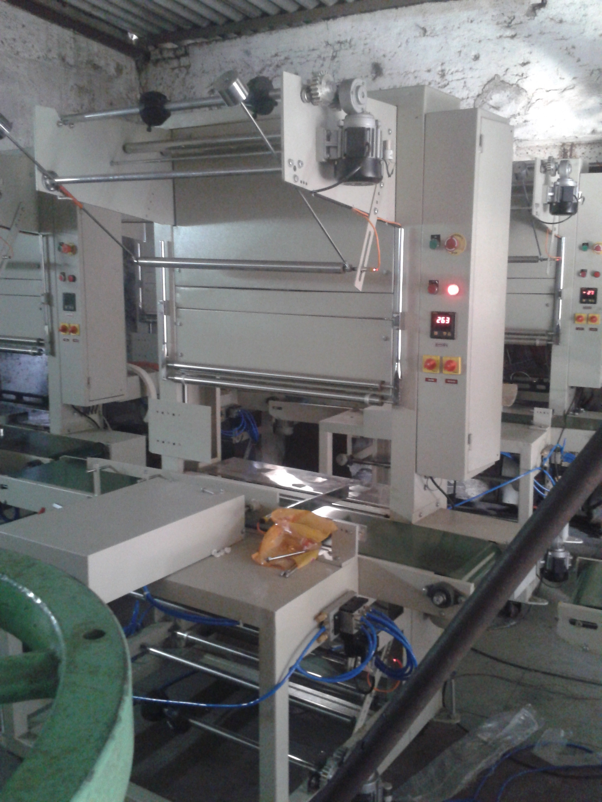 Automatic Sleeve Wrapper