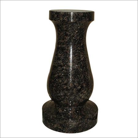 Indian Black Classic Granite Vase