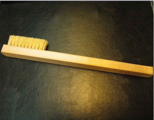 Exothermic Mold Cleaning Brush
